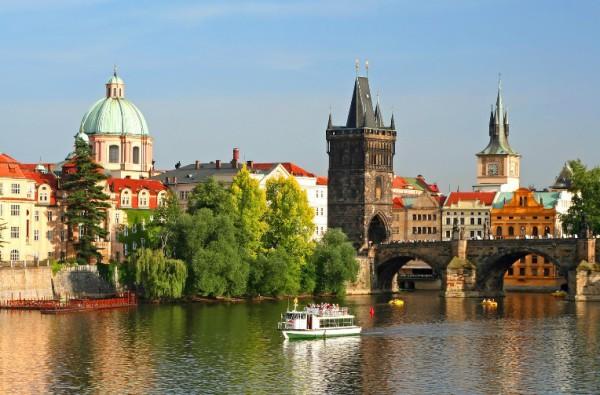 жизнь Праги